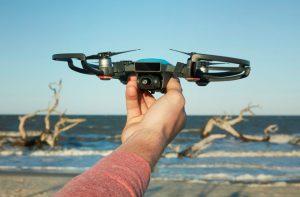 Un drone utilisant la technologie Movidius d'Intel pour aider les secours maritimes.