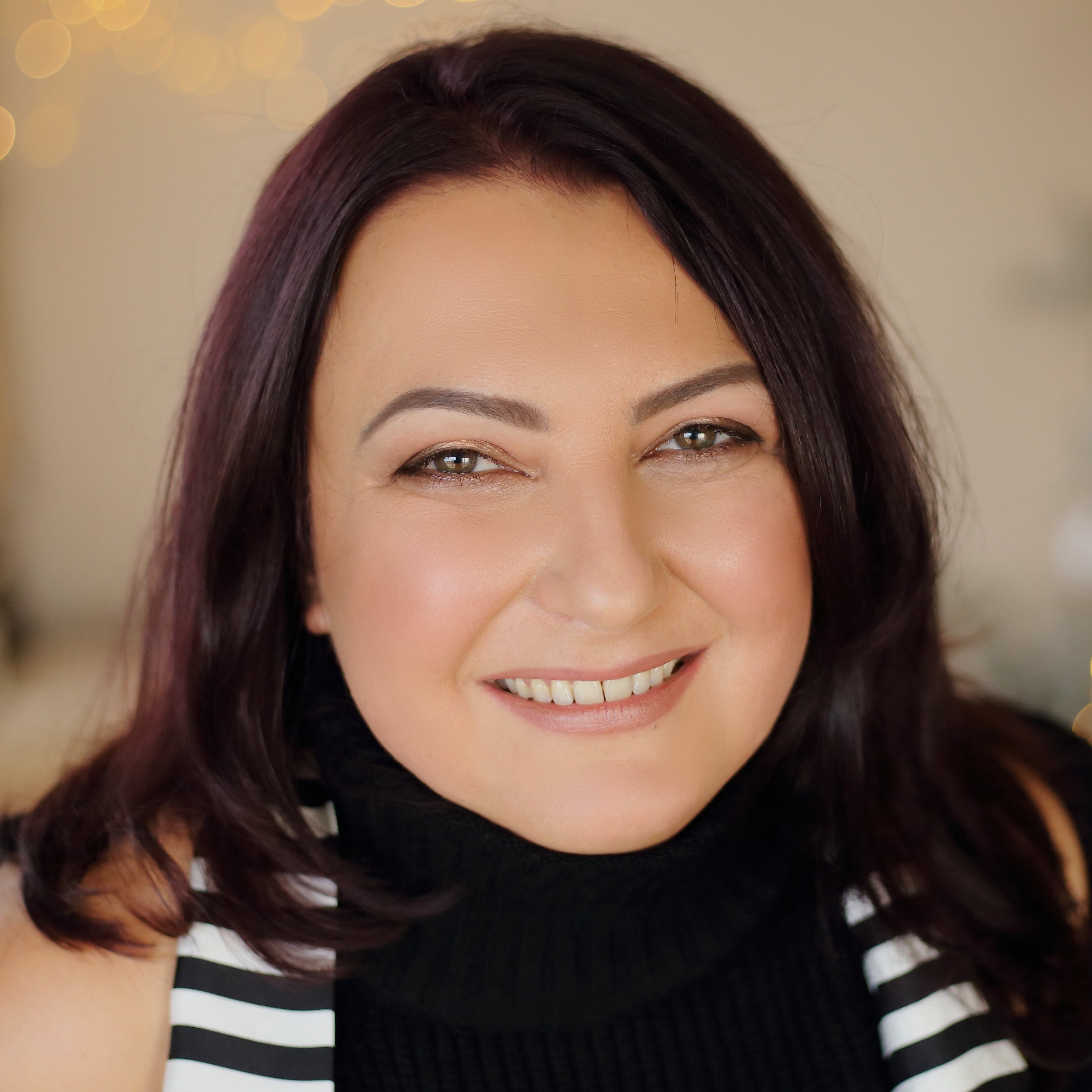 Anna Naydenova resized-min