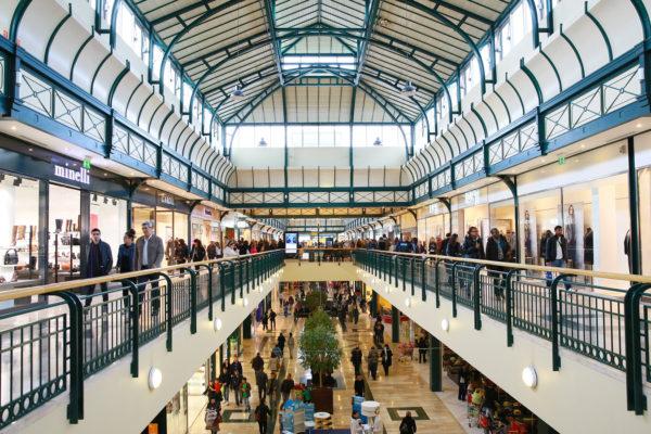 L'intérieur du centre commercial Val d'Europe